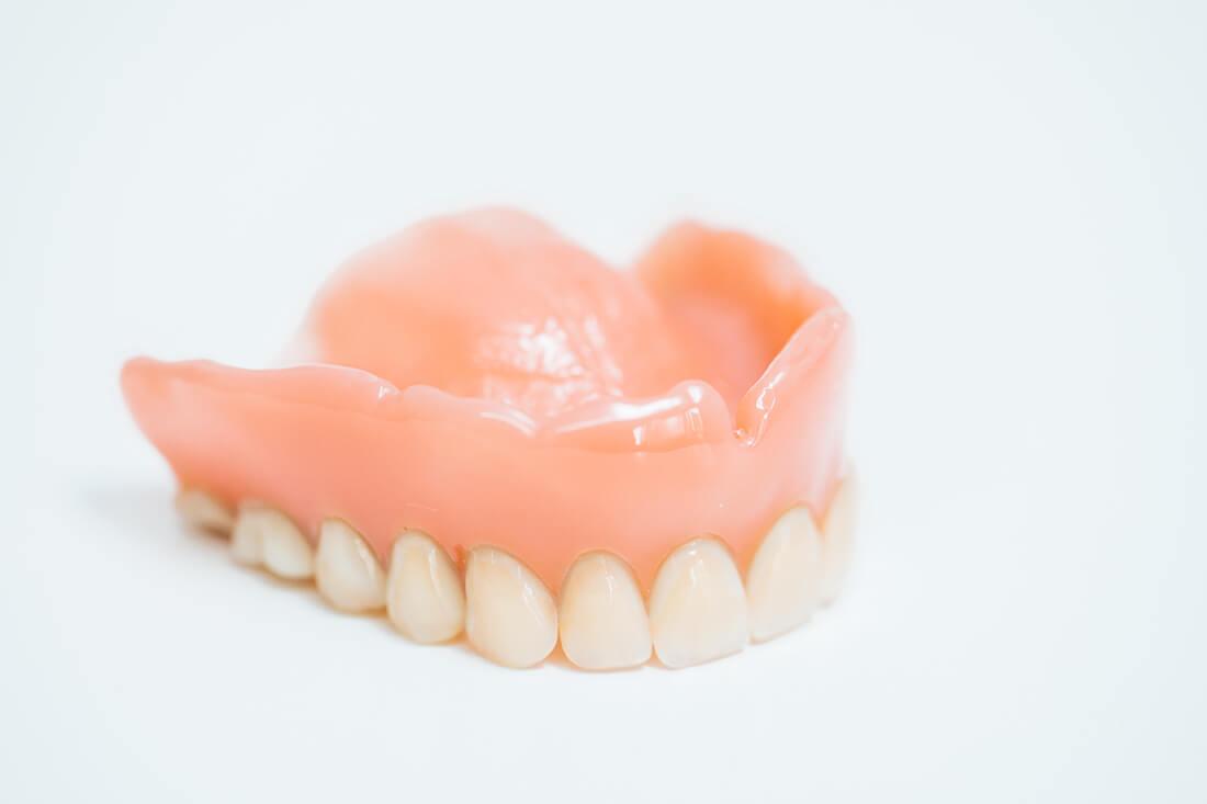 Zahnarzt Leipheim - Manuel Braun - Zahnersatz in der Praxis